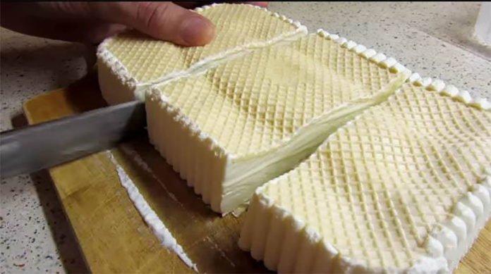 Pripravte si domácu ruskú zmrzlinu, ako si ju pamätáte, keď ste boli deti. Stačia len 3 suroviny. Nejdu do nej žiadne vajcia