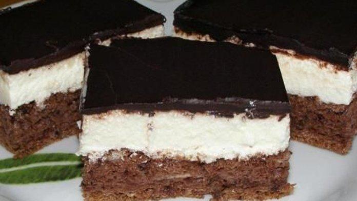 Krémové rezy so smotanovým krémom a čokoládovou polevou: Luxusné chuť a pripravené máte za 30 minút!
