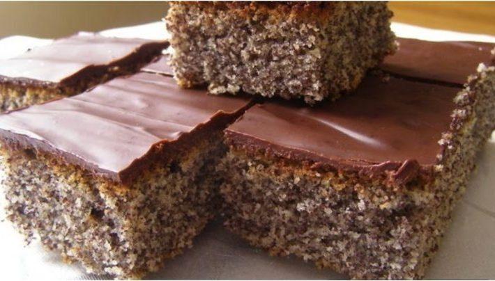 Makový koláč z hrnčeka! Príprava vám zaberie len 5 minút!