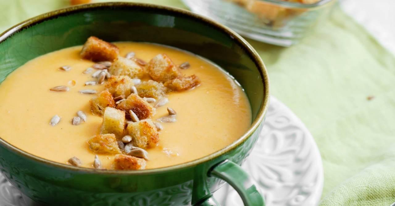Jemne krémová, batátová polievka.