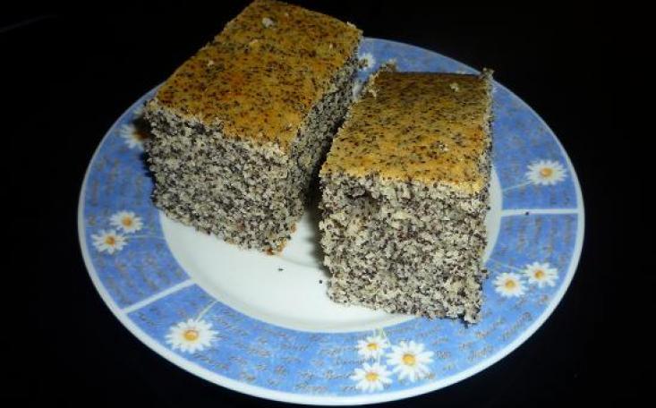 Makovec-jednoduchý a rýchly koláč ku káve
