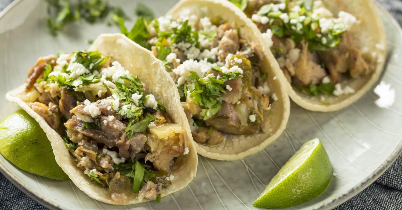 Vynikajúce bravčové mäso s tortillou.