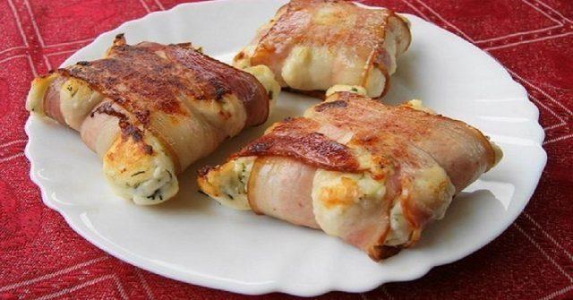 Famózne slaninovo-syrové rolky, ktoré ulahodia každému oku aj akokoľvek mlsnějšiemu jazýčku. Dokonalá jednohubka pre Vašu návštevu!