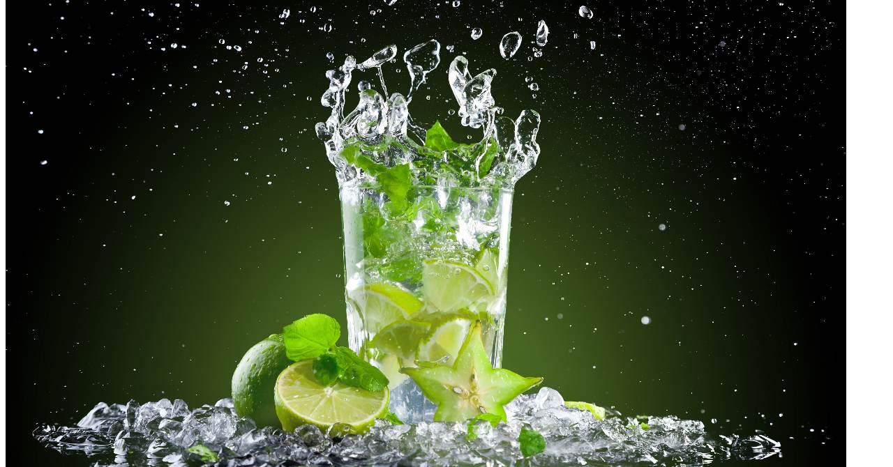 Mojito alko drink s poriadnou dávkou osvieženia .